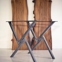 Få et råt og moderne bord med bordben i stål