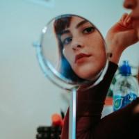 Læg en perfekt makeup med det helt rigtige kosmetikspejl
